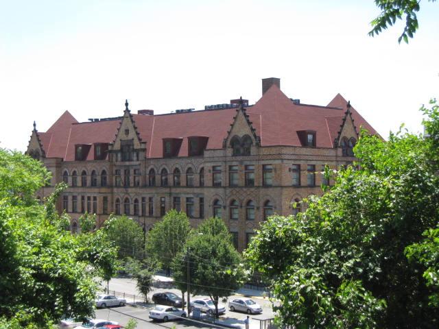 Fifth Avenue School Lofts - Lower Hill District/Uptown